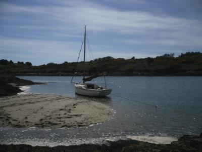 www.anglesey-hidden-gem.com -  Sailing Cymyran and Fourmile Bridge