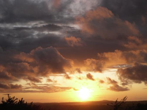 www.anglesey-hidden-gem.com - Anglesey   Sunsets