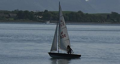 www.anglesey-hidden-gem.com - Sailing on the Menai Straits near Brynsiencyn
