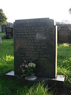 Llanallgo Church - Owen, Hugh & Maggie Anne Williams, Felin Graig, Llangefni