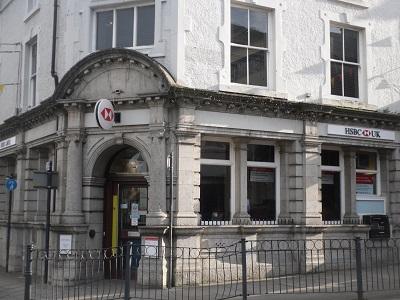 www.anglesey-hidden-gem.com - Llangefni HSBC Bank