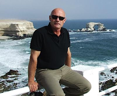 Allan Ginnelli at Antofagasta in Northern Chile<br>Ar ochr Anialwch yr Atacama.