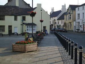 Beaumaris Castle Street