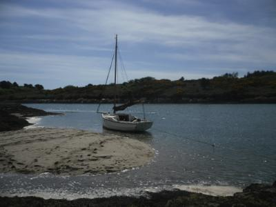 www.anglesey-hidden-gem.com -  Sailing Cymyran and Fourmile Bridge