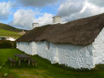 www.anglesey-hidden-gem.com - Bwthyn Swtan Cottage - Church Bay