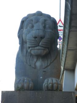 Britannia Bridge - Two Fat Lions (one, anyway)