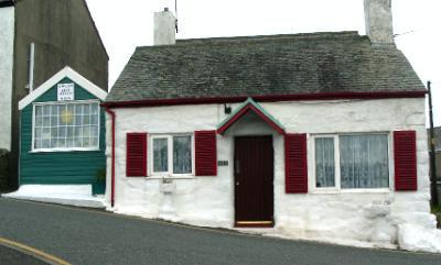 Moelfre Helen's Wool Shop